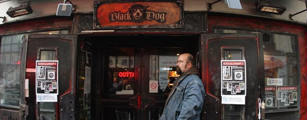 black dog o bar restaurante heavy metal expresso paris. Black Bedroom Furniture Sets. Home Design Ideas