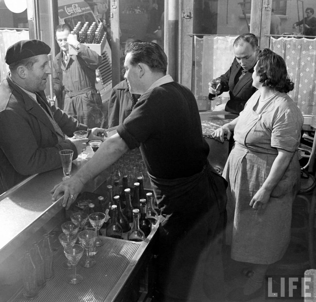 arrivee-coca-cola-france-1950-c-1024x978